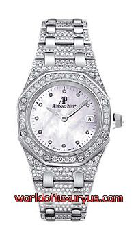 67602BC.ZZ.1212BC.01 - Quartz watch with date display. 18-carat white gold case, bezel and bracelet set with 530 diamonds (~ 5.20 carats), diamond-set mother-of-pearl dial. Water-resistant to 50 metres. - See more at: http://www.worldofluxuryus.com/watches/Audemars-Piguet/Royal-Oak-Lady/67602BC.ZZ.1212BC.01/62_86_3416.php#sthash.giMKWcuJ.dpuf