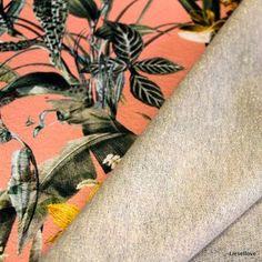 Stof uit 62% polyester & 38% katoen met een breedte van 150 cm. Doubleface!