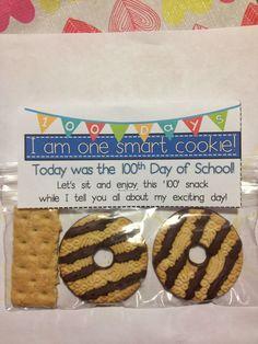 I'm one smart cookie-- Fun treat for the hundredth day of school! Crayons & Cuties In Kindergarten: The Day Finally Came! 100 Day Of School Project, School Projects, 100 Days Of School Project Kindergartens, 100 Day Project Ideas, School Parties, School Fun, School Stuff, School Days, Middle School