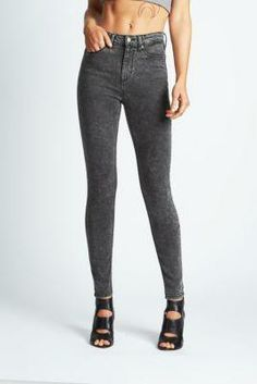 1981 High-Rise Skinny Jeans in Black Acid Wash | GUESS.com