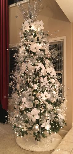 silver and white christmas tree - White And Silver Christmas Tree