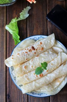 Chinese Mandarin pancake for Mu Shu Moo Shu Pork, Moo Shu Chicken, Mandarin Pancakes, Chinese Pancake, Chinese Food, Chinese Desserts, Asian Appetizers, Crepes And Waffles, Vegetarian Recipes