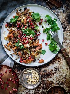 Taivaallinen libanonilainen pähkinä-linssi-riisi eli Hashew (V, GF) – Viimeistä murua myöten Dairy Free Recipes, Vegetarian Recipes, Vegan Meals, Oriental Food, Cookery Books, Desert Recipes, Side Dishes, Food And Drink, Vegetables