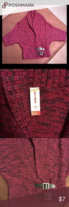 "Junior Cowl Neck Crop Sweater *Pre-Loved* >No Boundaries Crop Cowl Neck< •Junior Medium (7/9) 100% acrylic  •Quarter sleeve •Front wraps around/black belt enclosures •Worn once/minimal wear •L- 18"" / sleeve to pit-6"" / pit to pit-19"" / bottom length across-13"" No Boundaries Sweaters Cowl & Turtlenecks"
