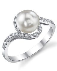 Pearl engagement ring?Yes pahlease. If only they didnt fade so quickly!