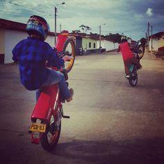 #stunt #Dt #motor #YAMAHA #acro Acro, Bike Life, Stunts, Yamaha, Followers, Motorcycle, Motorbikes, Waterfalls, Motorcycles