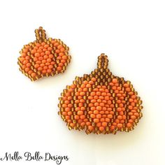 Would you like to learn how to make your own pretty little pumpkins like these?  Please join me on October 15 at the John Bead Outlet in Toronto - contact the store to register! . #mellabelladesigns #beadwork #beadworkclass #brickstitch #johnbeadoutlet