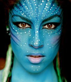 face painting avatar- I want to try this. Alien Make-up, Maquillage Halloween Simple, Fantasy Make Up, Make Up Art, Face Painting Designs, Paint Designs, Special Effects Makeup, Creative Makeup, Costume Makeup