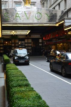 The Savoy Hotel London UK. http://hotels.hoteldealchecker.com/