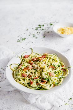 Keto Pasta Carbonara with Zoodles — The Best Recipe — Diet Doctor Low Carb Keto, Low Carb Recipes, Diet Recipes, Healthy Recipes, Diet Doctor Recipes, Keto Fat, Snacks Recipes, Keto Snacks, Pizza Recipes