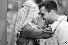 Fall engagement pictures in the city | pose ideas | Cleveland, OH | Deanna Loren Photography