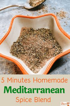 This ready in 5 minutes Mediterranean spice mix can be easily made at home using just 5 readily available healthy spices. The versatile spice blend can be used to make a variety of dishes. Homemade Spice Blends, Homemade Spices, Homemade Seasonings, Spice Mixes, Mediterranean Seasoning, Mediterranean Spices, Mediterranean Diet Recipes, Greek Seasoning, Seasoning Mixes