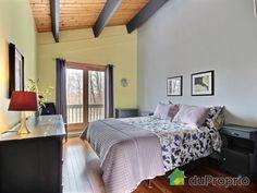 Chambre 2 de rêve à voir à Austin #DuProprio Bed, Furniture, Home Decor, Bedroom, Decoration Home, Room Decor, Home Furniture, Interior Design, Beds