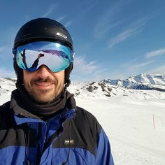 Ski day with good friends.  Paradise!  #travel #carameltrail #spain #pyrenees #ski #snow #friends #happy