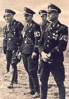 Ramblings,Smoke and Mirrors German Soldiers Ww2, German Army, Army History, Ww2 Uniforms, Military Uniforms, Germany Ww2, Man Of War, The Third Reich, World War Two