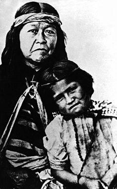 Aborigenes de la patagonia argentina. El singular misterio de la aparición de los cueros. Cuentos y Leyendas de Montaña.