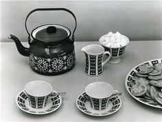 Arabia Finland, coffee set dec Hilppa, designer Esteri Tomula 1961-65 and coffee pot Finel Punahilkka, dec designer Raija Uosikkinen