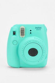 "Fujifilm – Mini-8-Kamera ""Instax"" in Aquamarinblau - Urban Outfitters"