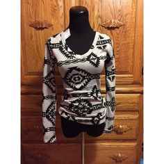 { NWT Top } [brand new] tag is still attached. bundle this!!! Rue 21 Tops