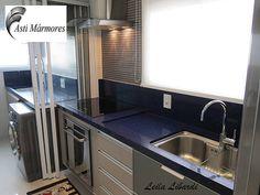 asti-marmores | Cozinhas Cozinha e Lavanderia em Quartzo Stone Azul Estrelar Design de Interiores Leila Libardi #astimarmores #quartzostoneazulestrelar #cozinha #leilalibardi #lavanderia