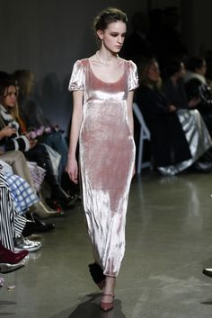 2d4eabd6aa0d Brock Collection Fall 2018 Ready-to-Wear Collection - Vogue Moda Rosa