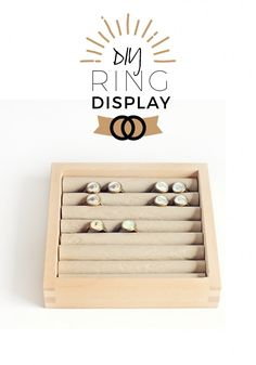 So pretty! diy ring display - jewellery display for craft fair, booth and shops. easy and cheap display made of box and paper. Craft Fair Displays, Ring Displays, Display Ideas, Booth Ideas, Diy Schmuck, Schmuck Design, Paper Grocery Bags, Ring Organizer, Diy Clothes Rack