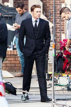 "Chris Evans on the set of ""Captain America: Civil War"" - May 15, 2015"