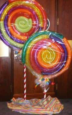 sweet candy swirls #lollipops #balloons