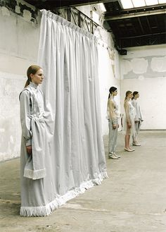 """a shadow necessary for windows"", installation / performance, by yukinori maeda. Editorial Fashion, Fashion Art, Fashion Show, Fashion Design, Modesty Fashion, Pattern Cutting, Minimal Fashion, Retail Design, Amish"