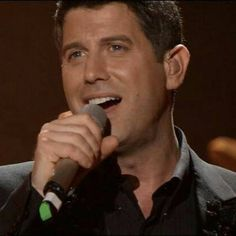 I can almost hear that beautiful voice looking at this photo shared by @petrak40   #sebsoloalbum #teamseb #sebdivo #sifcofficial #ildivofansforcharity #sebastien #izambard #sebastienizambard #ildivo #ildivoofficial #seb #singer #sebontour #band #musician #music #concert #composer #producer #artist #french #handsome #france #instamusic #amazingmusic #amazingvoice #greatvoice #teamizambard #positivefans