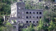 Termas Água Radium, Sortelha. Aproveitava a radioatividade da água para curar determinadas doenças, mas os atuais proprietários nunca avançaram com os planos para transformar o local num hotel termal de luxo .