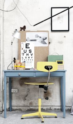 Pastel work desk