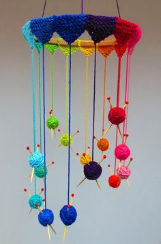 A fun project made with Planet Penny Cotton in 14 Rainbow shades. PDF instructions for a Knitters Mobile, mini balls of yarn suspended from tiny bunting, perfect for a craft corner. Crochet Home, Crochet Crafts, Yarn Crafts, Knit Crochet, Diy Crafts, Yarn Projects, Knitting Projects, Crochet Projects, Knitting Yarn