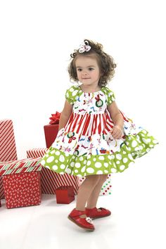 Grinch Twirl Dress by blumoondesign on Etsy Sewing For Kids, Baby Sewing, Sewing Ideas, Sewing Projects, Sewing Crafts, Holiday Outfits, Holiday Clothes, Holiday Fashion, Toddler Fashion