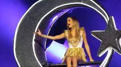 Violetta Live, Wonder Woman, Queen, Superhero, Martina Stoessel, Concerts, Live Life, Celebs, Fashion Styles