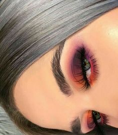 38 Tipps leicht Augen Make-up für Frauen 2019 Eye Makeup eye makeup using spoon Makeup Eye Looks, Eye Makeup Tips, Cute Makeup, Eyeshadow Looks, Skin Makeup, Makeup Inspo, Eyeshadow Makeup, Makeup Inspiration, Makeup Ideas