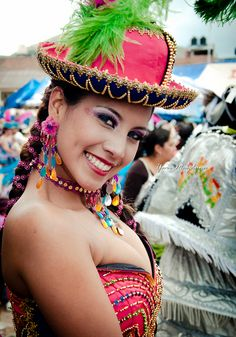 She is gorgeous! Carnival Dancers, Carnival Girl, Carnival Outfits, She Is Gorgeous, Beautiful Women, Samba, Dance Uniforms, Peru Travel, Girl Dancing