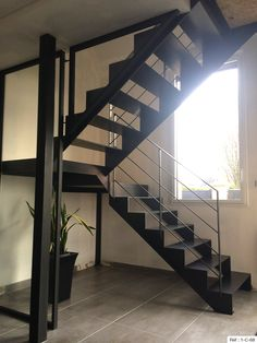 Fabricant escalier deux quarts tournant en Bretagne : Vannes, Rennes. Entry Stairs, Basement Stairs, Escalier Design, Sims House Plans, Home Salon, Minimalist Design, Home Projects, Sweet Home, House Design