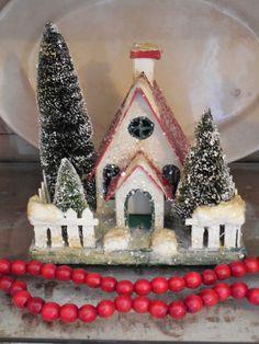 Walnut & Vine - Christmas glitter house
