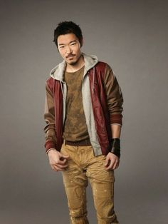 Aaron Yoo as Russell Kwon