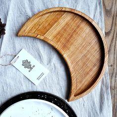 Тарелка - поднос деревянная Месяц