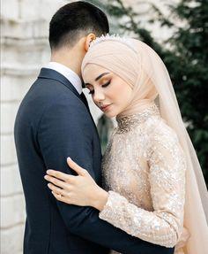 Wedding Hijab, Bridal Dresses, Wedding Photos, Couples, Fashion, Pictures, Bride Dresses, Marriage Pictures, Moda