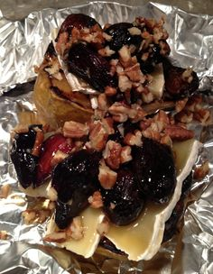 These Grilled Pears are a healthy dessert and so tasty! Get the full recipe here. Enjoy!