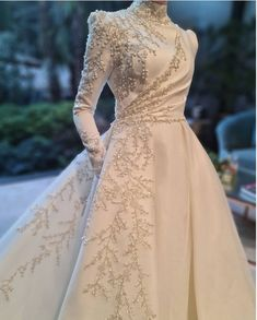 Fancy Wedding Dresses, Wedding Dress Patterns, Prom Dresses With Sleeves, Bridal Dresses, Hijab Evening Dress, Hijab Dress Party, Evening Dresses, Muslimah Wedding Dress, Frocks And Gowns