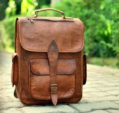 VINTAGE-CRAFT LEATHER HANDMADE VINTAGE STYLE BACKPACK/ COLLAGE/ CABIN