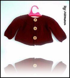 Gilet bébé (3 mois) tricoté main encolure arrondie bordeaux et liberty : Mode Bébé par mamountricote