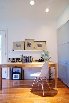 Easy, elegant and open, these examples from our House Tours exemplify the look of Simple Chic. Well proportioned and thoughtfully arranged, these rooms show that keeping clutter to a minimum by knowing what to store and what to display makes all the difference in a home. Keeping to a relatively minimalist look doesn't have to feel cold or uncomfortable.