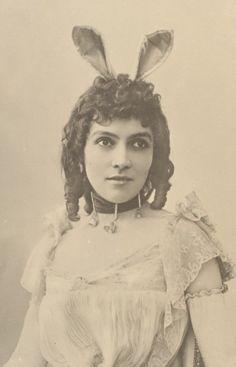 Eve Lavadierre by  Nadar 1880