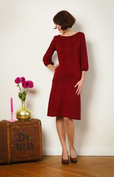 """Knielange Kleider - Kleid """"Melody"""" m. Zierfalten, in bordeauxrot - ein Designerstück von Jekyll-und-Kleid bei DaWanda"""