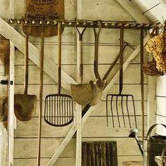Beau Harvest Hanger // Http://tuinieren.nl/tuinnieuws/producten/hark Hanger.html#  | Cool Ideas   DIY | Pinterest | Hanger, Gardens And Garden Ideas